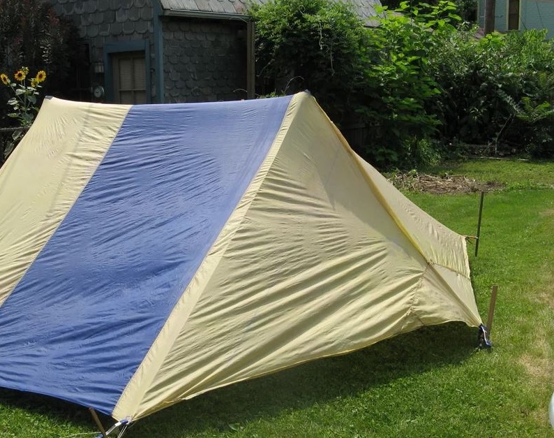 camping Privacy tent diy